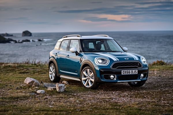 mini introduces new countryman cooper s e countryman all4 just british. Black Bedroom Furniture Sets. Home Design Ideas