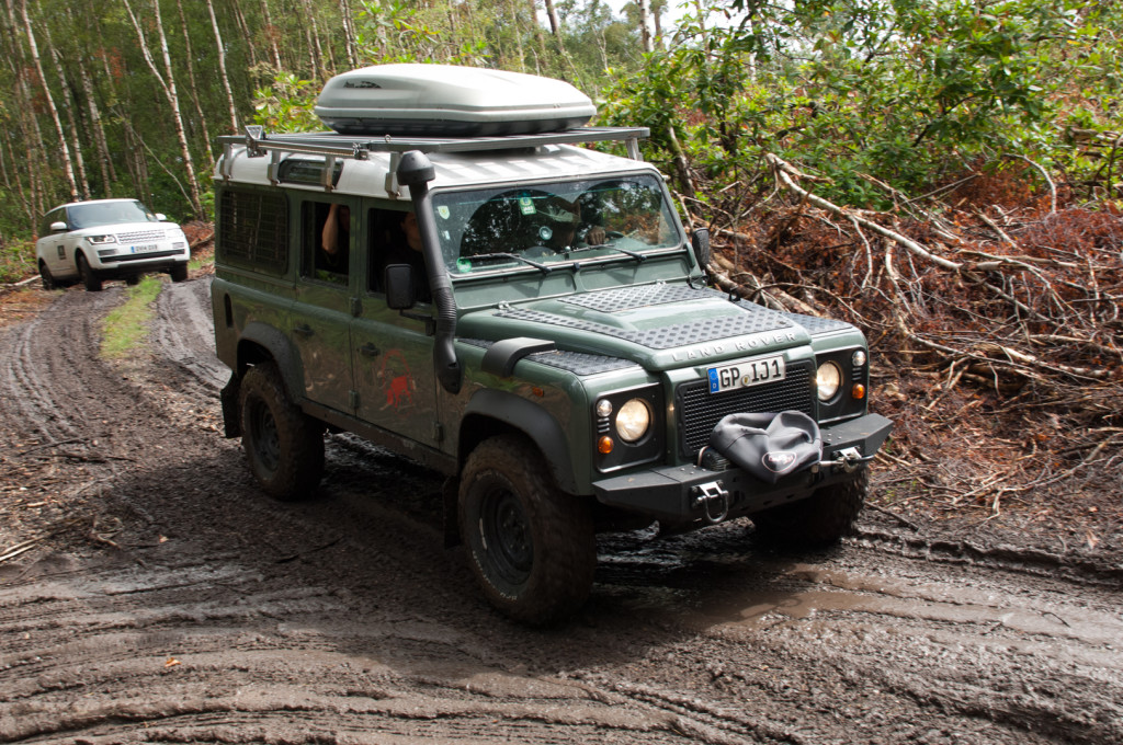 2014-08 Simply Land Rover-45