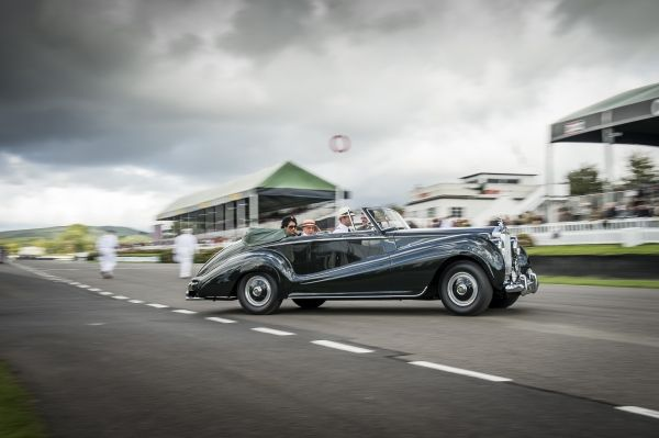 ROLLS-ROYCE CELEBRATES RECORD 2015 GOODWOOD REVIVAL