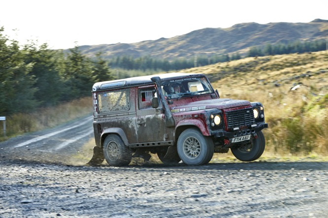Defender Challenge closes 2015 Season with Mud, Sweat and Tears