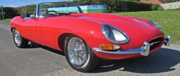 Barons Jaguar E-Type Convertible Flat Floor-4