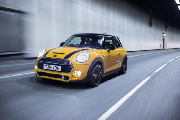 MINI HATCH WINS PREMIUM SUPERMINI OF THE YEAR AT 2016 BUSINESSCAR AWARDS