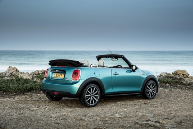 MINI Cooper Convertible - Rear