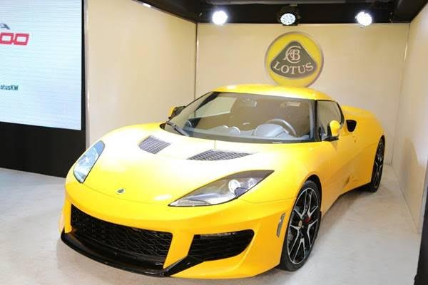 Lotus Kuwait Showroom opens with Lotus Evora 400 unveiling