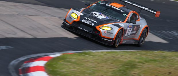 Aston Martin V12 Vantage GT3 prepared for 24-hours of Nürburgring