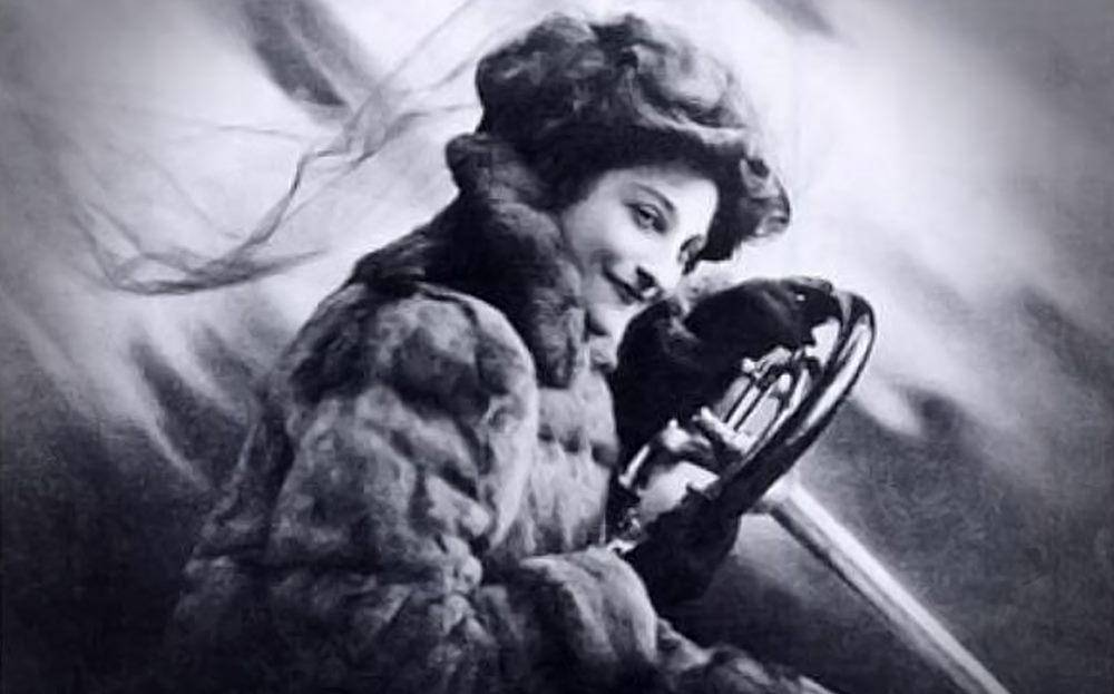 Heroine - Dorothy Levitt Racing Driver