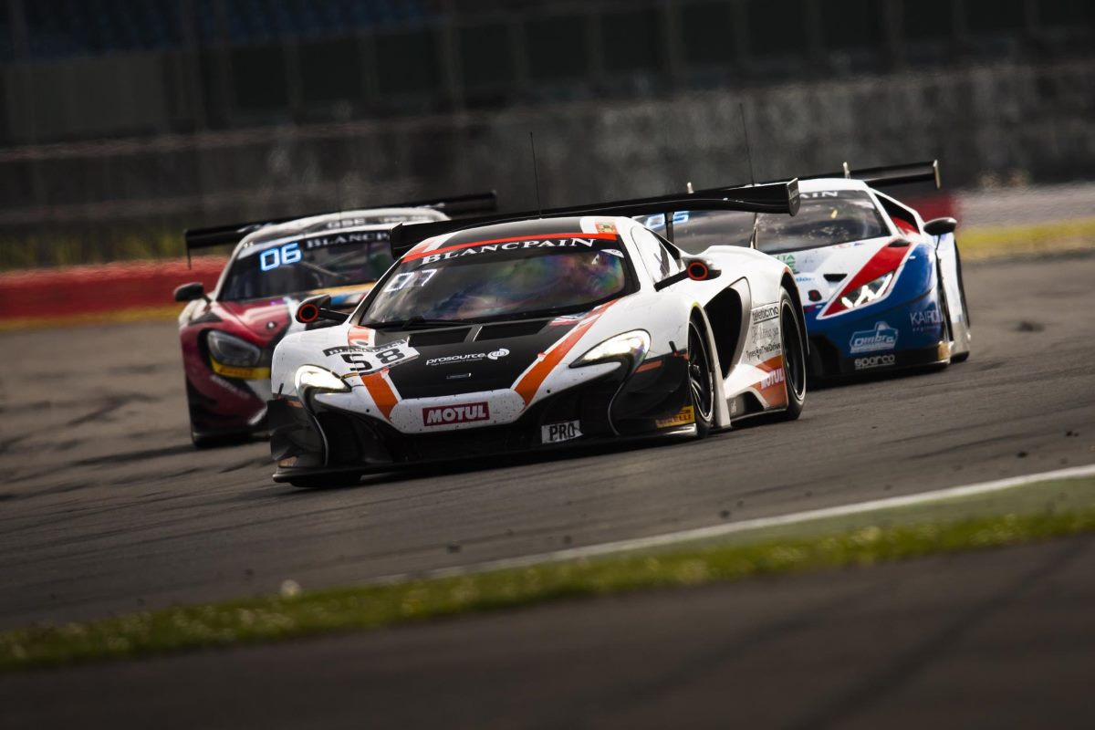 Top 10 finish on home soil keeps McLaren GT Factory Driver Rob Bell in Blancpain Title Hunt - Hunt