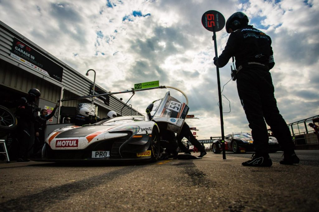Top 10 finish on home soil keeps McLaren GT Factory Driver Rob Bell in Blancpain Title Hunt - Pits