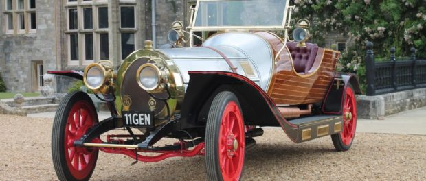 Chitty reconstruction flies into Beaulieu for summer holidays
