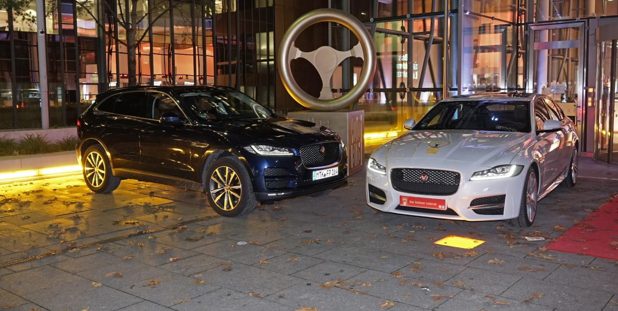 The Jaguar XF has won Germany's top car award, the Golden Steering Wheel after being voted 'Best Saloon' in the Mid-Full-size category.