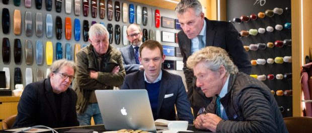 Roger Daltrey discusses the finer points of his design with artist Mike McInnerney, Bespoke Designer Matt Danton and Rolls-Royce CEO Torsten Müller-Ötvös