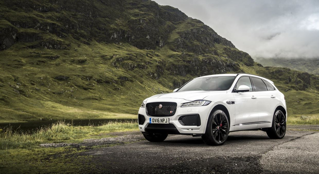 Jaguar F-PACE Crowned Best Large Crossover 3
