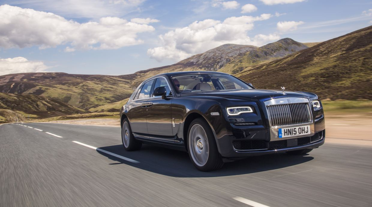 Rolls-Royce Ghost Named Best Super-Luxury Car