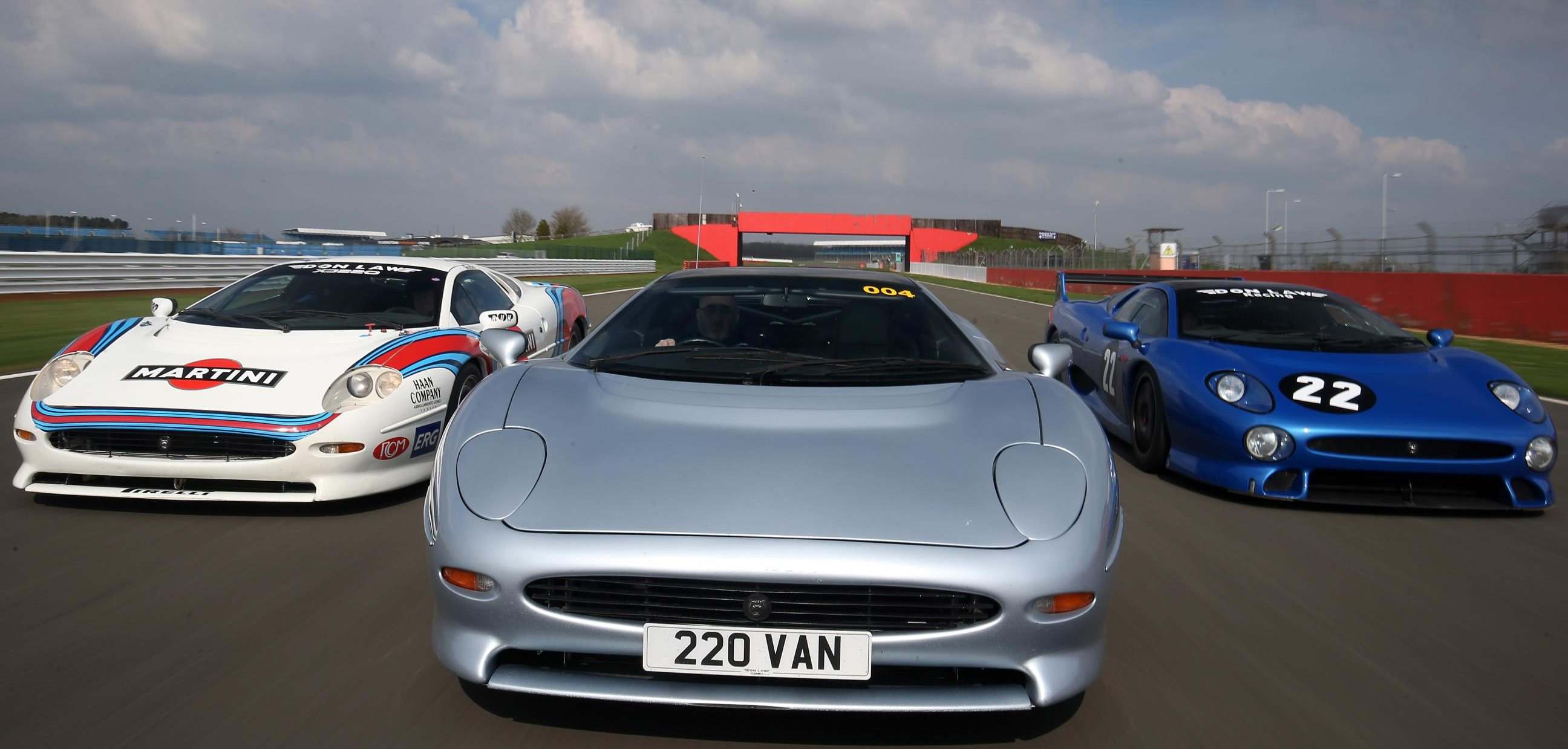 Silverstone Sets World Record Parade For Jaguar Supercar