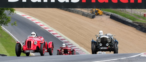 AMOC Racing Entertains at Brands Hatch 3