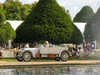 RAC Awards Club Trophy to 1912 Rolls-Royce Silver Ghost