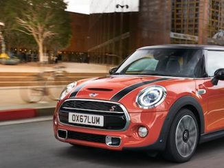 MINI Cooper S - MINI Hardtop 2 Door Earns Top Safety Pick Award