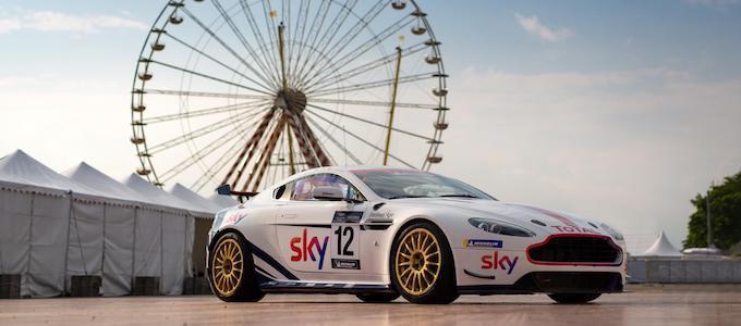Sky liveried V8 Vantage GT4 - Martin Brundle Chris Hoy