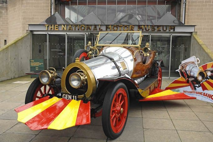 Film Chitty Chitty Bang Bang outside museum