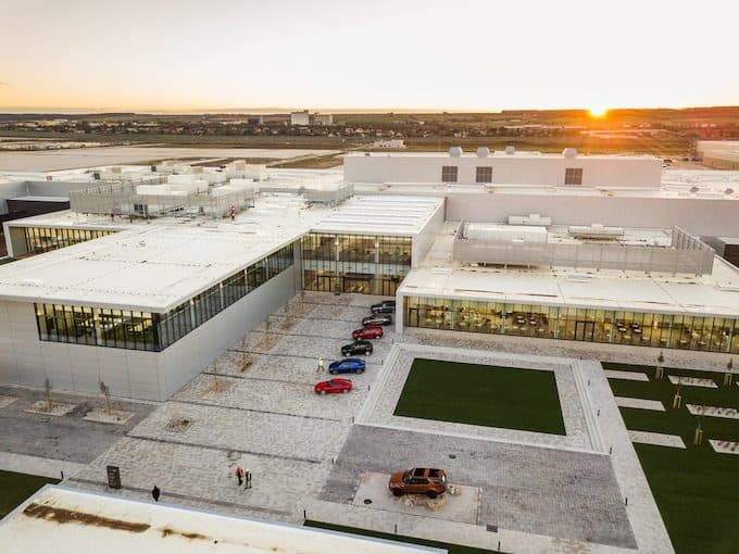 JAGUAR LAND ROVER OPENS MANUFACTURING PLANT IN SLOVAKIA