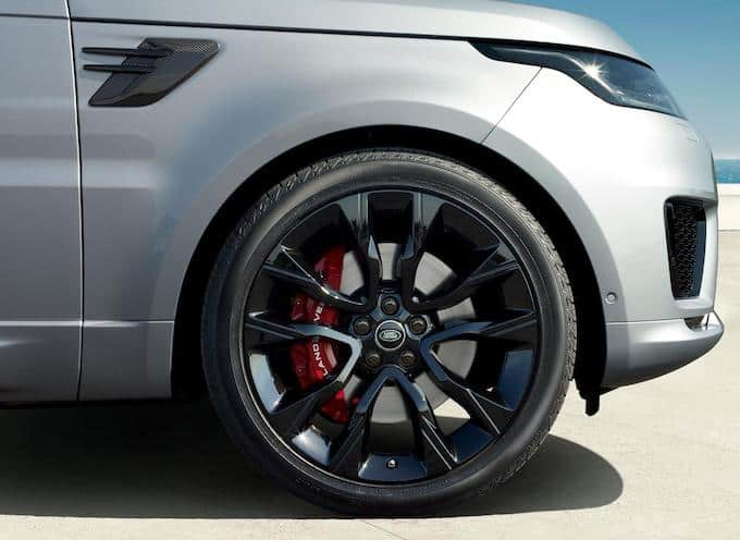 NEW RANGE ROVER SPORT HST ADDS STRAIGHT-SIX PERFORMANCE AND REFINEMENT 3