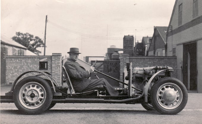 HFS Morgan at Pickersleigh Road with 4-4 experimental chassis, 1945