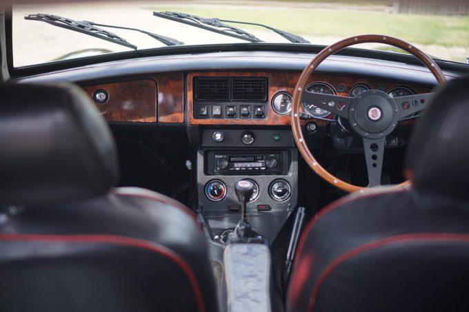 1981 MGB GT V8 SEC interior
