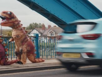 MG Pokes Fun At Dinosaur Drivers In New Electric Range TV Advert 1