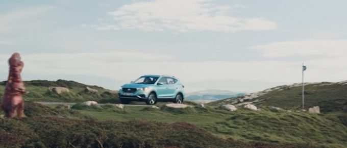 MG Pokes Fun At Dinosaur Drivers In New Electric Range TV Advert 3