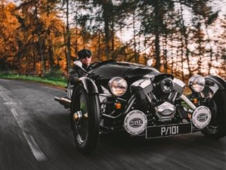 LIMITED-EDITION 3 WHEELER P101 - headon shot on road