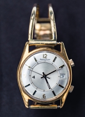 The solid gold twin bar watch band worn by Stirling Moss for 38 years