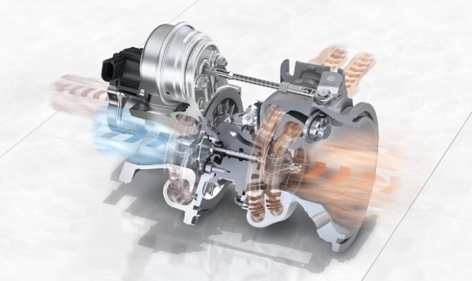 Flying Spur V8 Engine 3