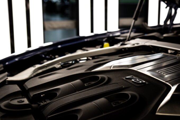 Flying Spur V8 Engine - 6