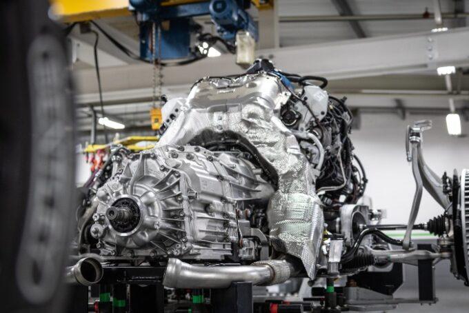 Flying Spur V8 Engine - 7