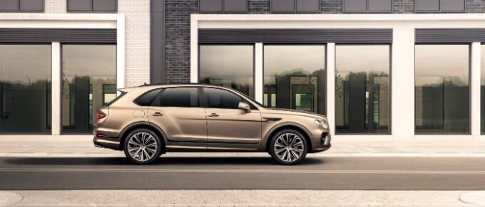 New Bentayga Hybrid side view