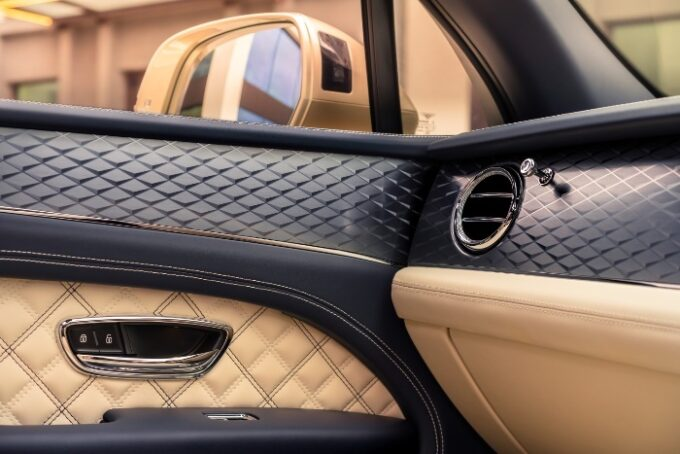 New Bentayga Hybrid - door panels