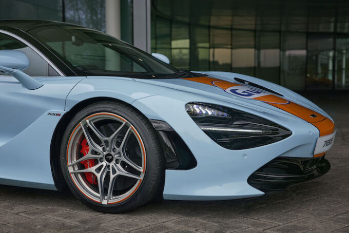 Gulf McLaren 720S - Front quarter detail of paint scheme