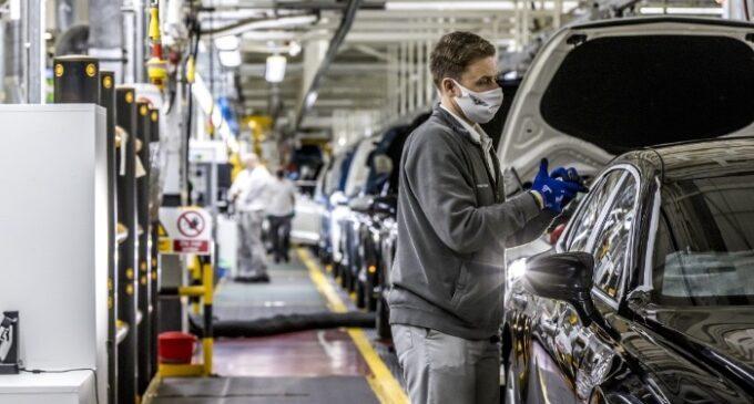 Bentley half-year Sales & Financial Results Set Record - 02 Production Line