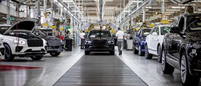 Bentley half-year Sales & Financial Results Set Record - 04 Production line with head-on view