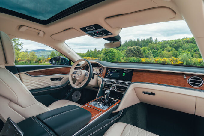 Flying Spur Hybrid - Interior Seats and Dash