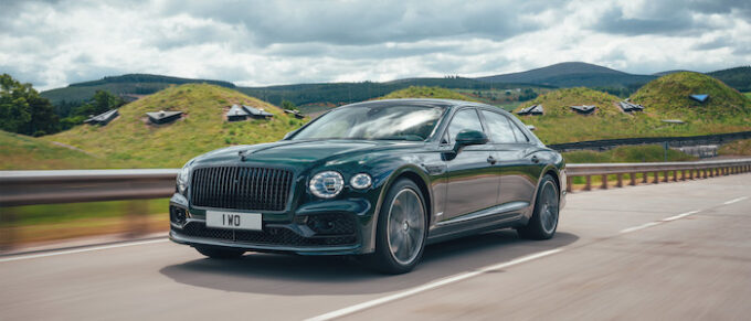 Flying Spur Hybrid - Front 3/4 View
