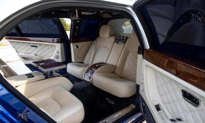 5 Examples of Bentley Mulsanne Grand Limousine by Mulliner - 05