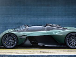 Aston Martin Valkyrie Spider - side profile