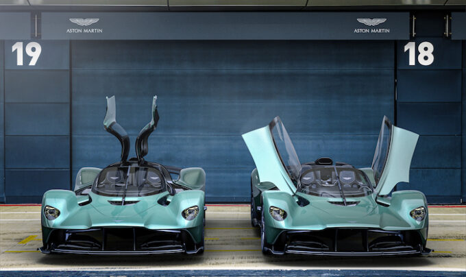 Aston Martin Valkyrie Spider - with and without roof - front head-on with doors open