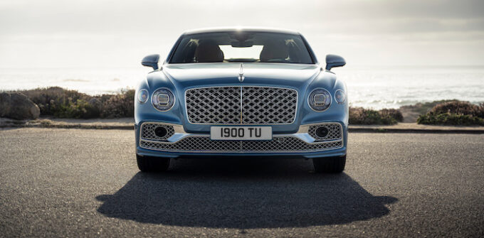 Bentley Flying Spur Mulliner - Beauty shot head on