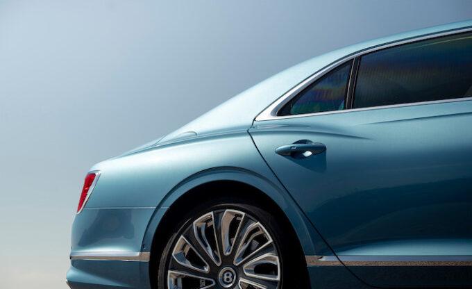 Bentley Flying Spur Mulliner - Rear door and quarter panal