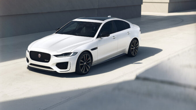 Jag XE 22MY 01 R-Dynamic Black Front 3-4 250821