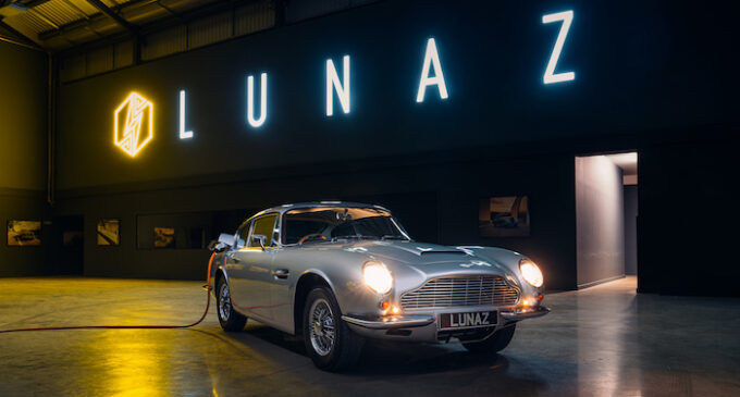 Aston Martin DB6 Lunaz HQ